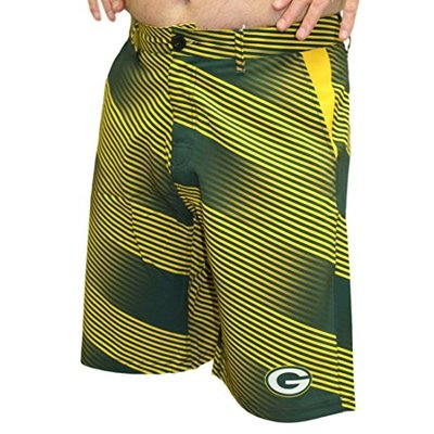 FOCO NFL Green Bay Packers Diagonal Stripe Walking Shorts, Team Color, Large/Size 36